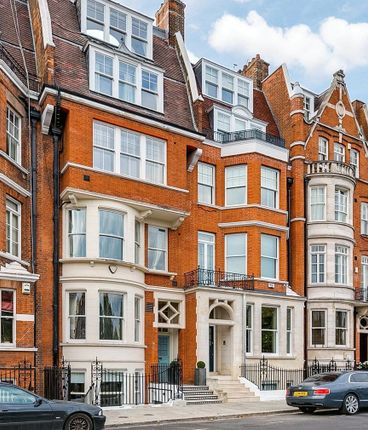 Thumbnail Terraced house for sale in Cheyne Place, Chelsea