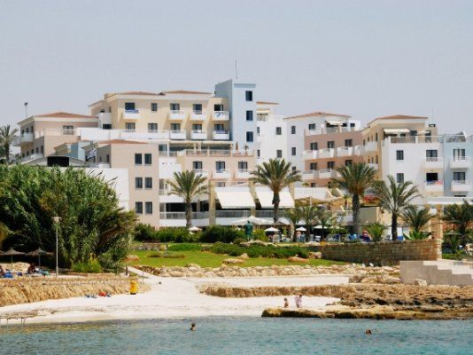 Thumbnail Hotel/guest house for sale in Chloraka Hotel, Chlorakas, Paphos, Cyprus