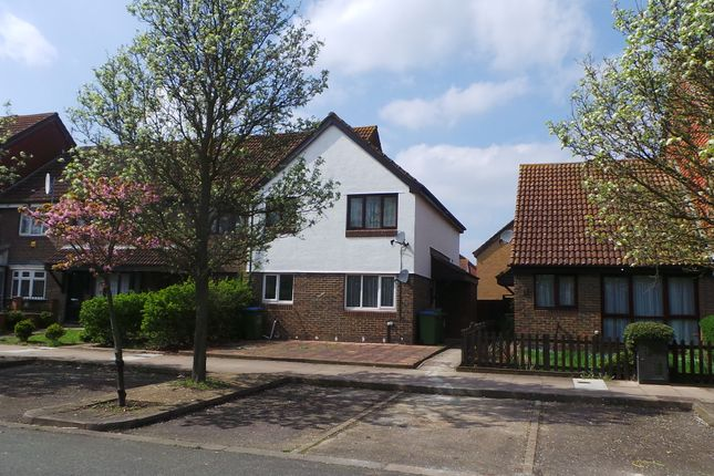 Thumbnail Maisonette to rent in Goldfinch Road, West Thamesmead