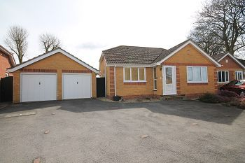 Thumbnail Detached bungalow to rent in The Homelands, Warminster, Wiltshire
