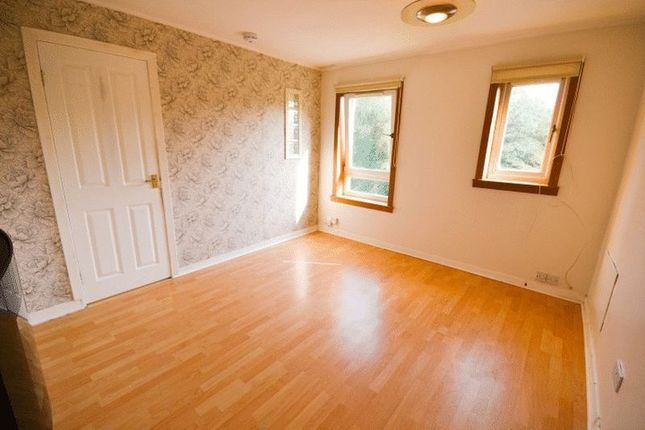 1 Bed Flat To Rent In Floors Court Glenrothes Fife Ky7 Zoopla