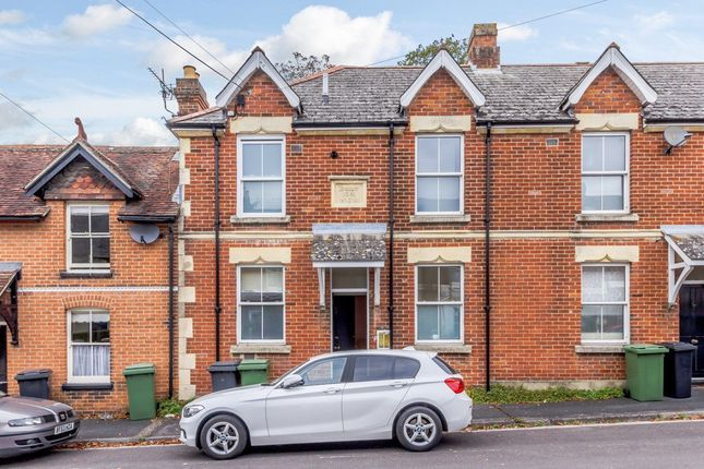 Thumbnail Maisonette to rent in Highcliffe Road, Highcliffe, Winchester