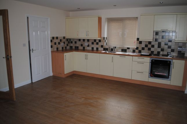 Thumbnail Semi-detached house to rent in Top Road, Worlaby, Brigg