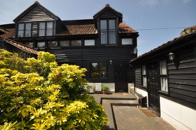 Thumbnail Cottage to rent in Coxtie Green Road, Pilgrims Hatch, Brentwood