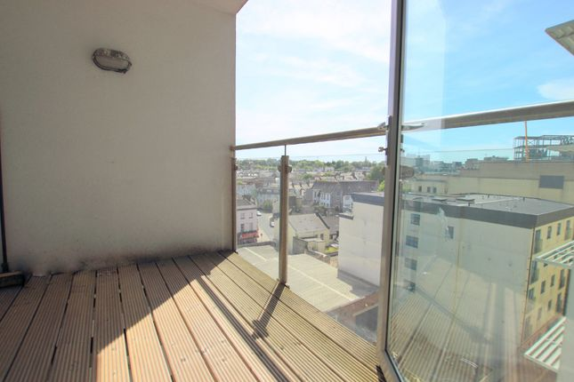 Thumbnail Flat for sale in Sutton View, The Barbican, Plymouth