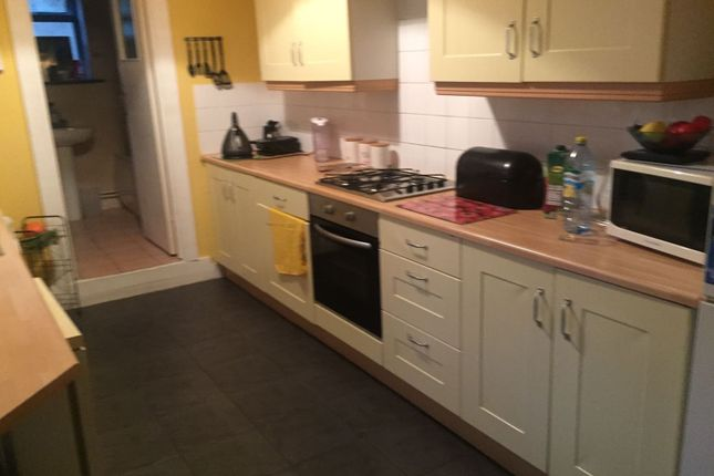 Thumbnail Semi-detached house to rent in Claredon Road, Luton