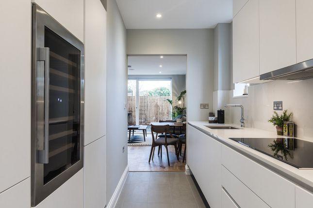Thumbnail Flat to rent in 78, Kings Avenue, London