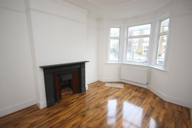 3 bed detached house to rent in Wells House Road, East Acton, London NW10