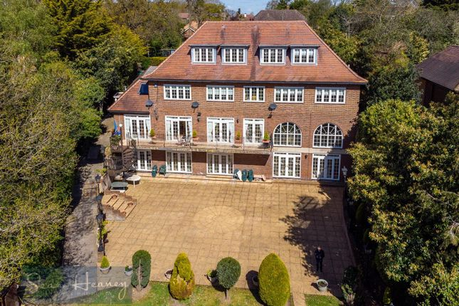 Thumbnail Property for sale in Barnet Road, Arkley, Barnet