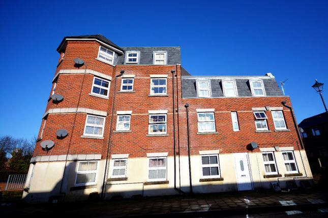 Thumbnail Flat to rent in Northam Road, St Marys, Southampton