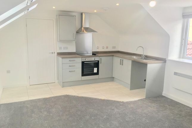 Thumbnail Flat to rent in Two Mile Hill Road, Kingswood, Bristol