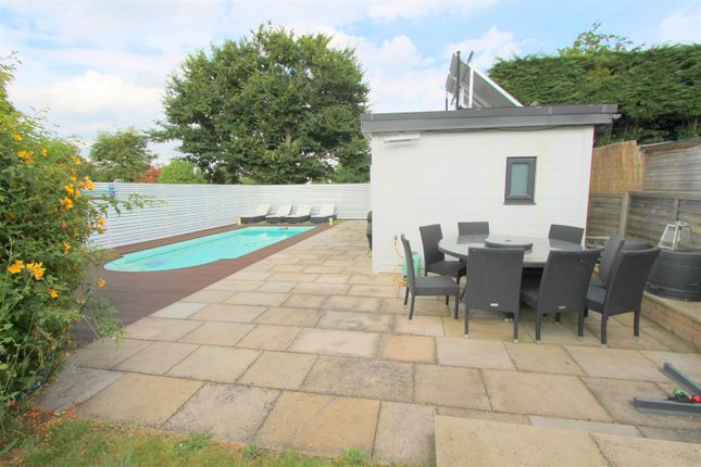 Garden c of Foresters Drive, Wallington SM6