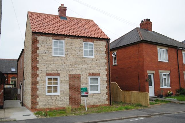 Thumbnail Flat to rent in West Street, Scawby, North Lincolnshire