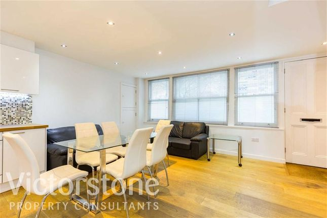 Thumbnail Town house to rent in Weymouth Terrace, Shoreditch, London