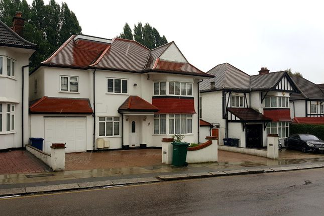 Thumbnail Property to rent in Allington Road, London