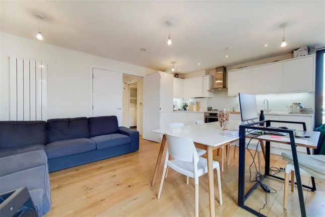 3 bed flat to rent in Standard Place, London EC2A