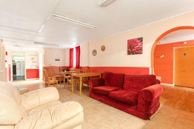Thumbnail Room to rent in Salters Lane, Kent Faversham