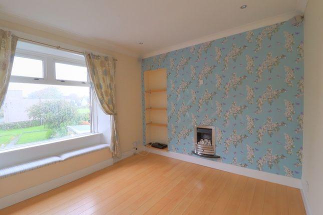 Thumbnail Flat for sale in Easwald Bank, Kilbarchan, Renfrewshire