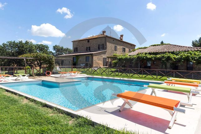 Thumbnail Farmhouse for sale in Valle D'orcia, Pienza, Siena, Tuscany, Italy