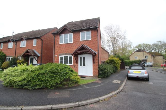 3 bed detached house to rent in Renown Way, Chineham, Basingstoke RG24