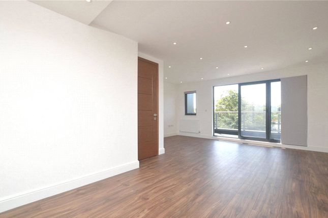Thumbnail Flat to rent in Embassy Court, Bounds Green Road, London