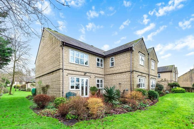 3 bed flat for sale in Shepard Way, Chipping Norton OX7
