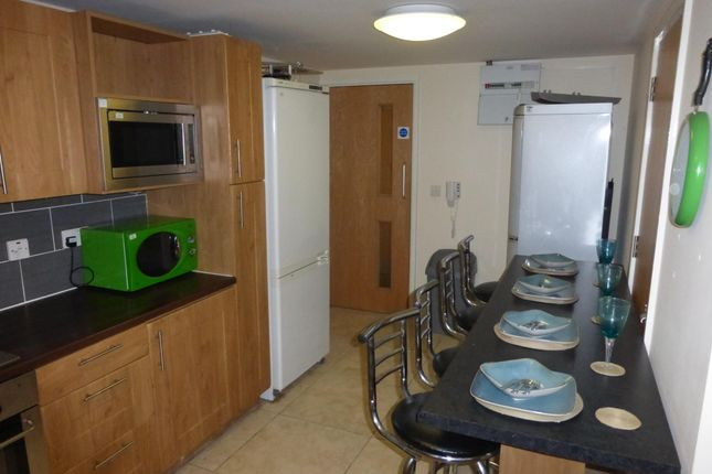 Thumbnail Flat to rent in Great Horton Road, Great Horton, Bradford