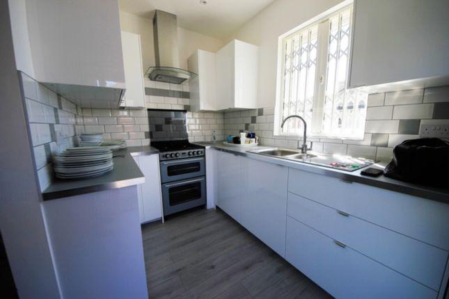 Thumbnail Bungalow to rent in Glenwood Avenue, Kingsbury