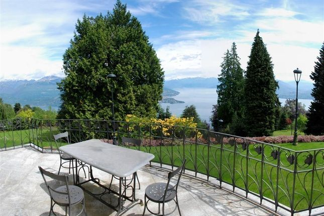 Thumbnail Villa for sale in Stresa, Piedmont, Italy