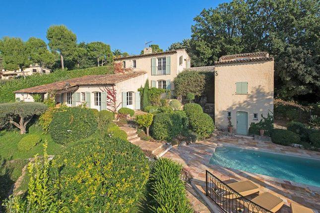 Villa for sale in Les Hauts De Saint Paul, French Riviera, France