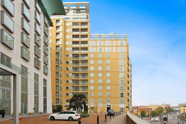 Thumbnail Flat to rent in Circus Apartments, Canary Wharf