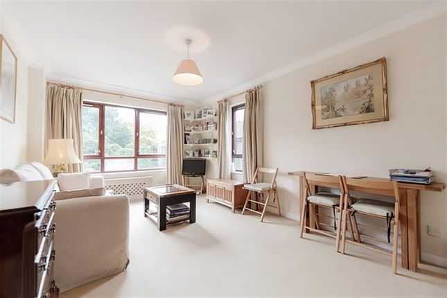 Flat for sale in Maltings Place, London