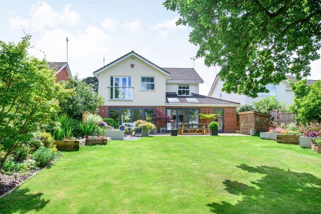 Thumbnail Detached house for sale in Ashley Crescent, Warwick, Warwickshire