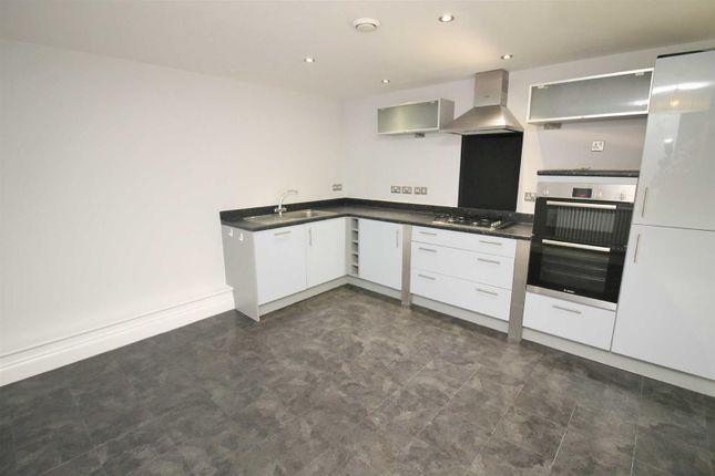 Thumbnail Flat to rent in Hamilton House, Lonsdale Wolverton, Milton Keynes