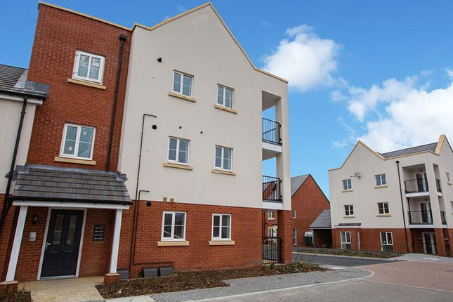 Thumbnail Flat for sale in Le Marechal Avenue, Bursledon