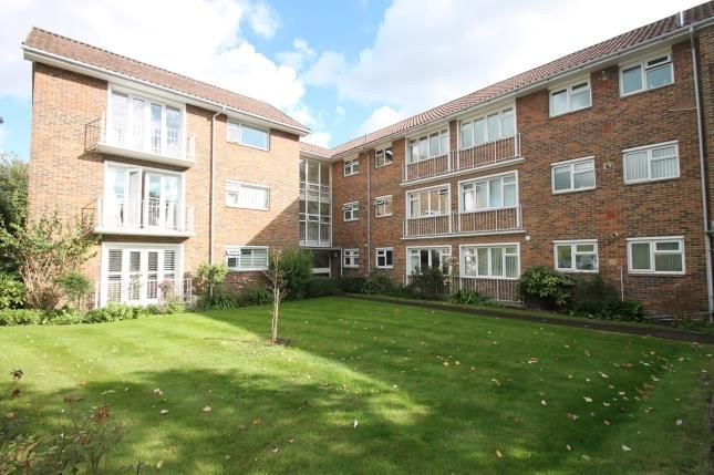 Thumbnail Flat for sale in Regnum Court, North Walls, Chichester, West Sussex