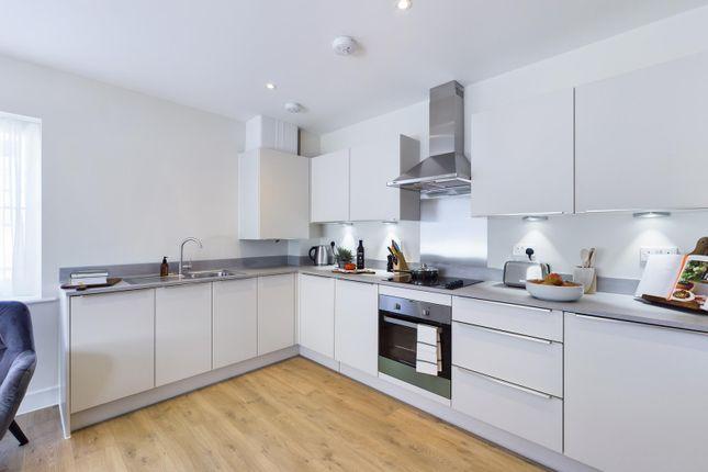 Thumbnail Flat for sale in Beech House, Gatehouse Close, Ashford