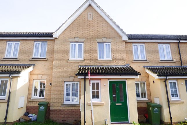 2 bed property to rent in Beeston Courts, Laindon, Basildon SS15