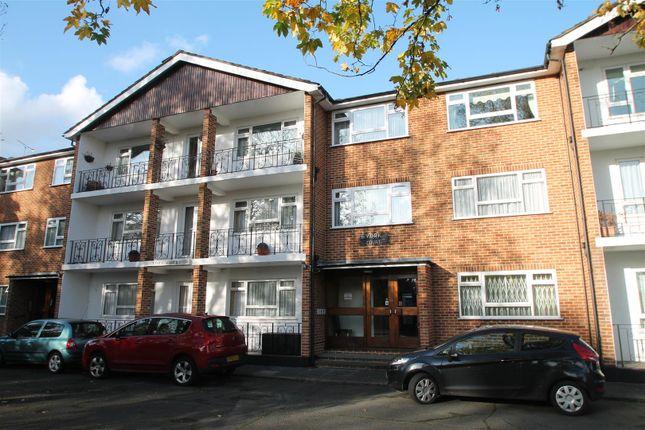 Flat for sale in York Court, Aldermans Hill, London