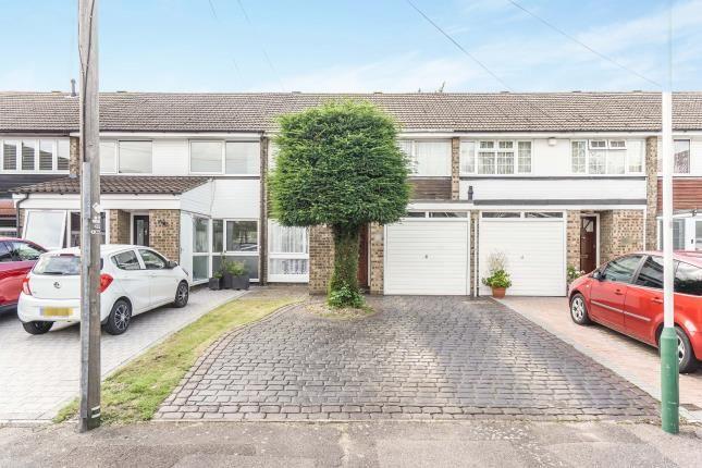 Thumbnail Terraced house for sale in Hornchurch, Gidea Park, Romford