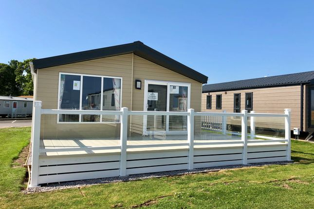 Thumbnail Mobile/park home for sale in Blue Anchor Bay, Blue Anchor, Minehead