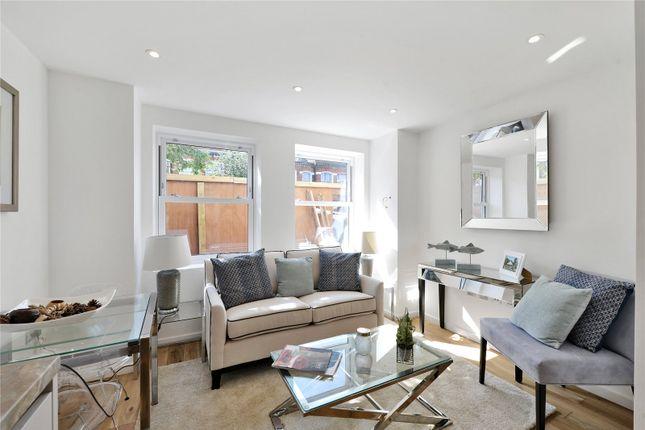 Living Room of Oakbury Road, London SW6
