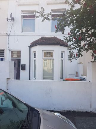 Thumbnail Terraced house for sale in Albert Square, Stratford