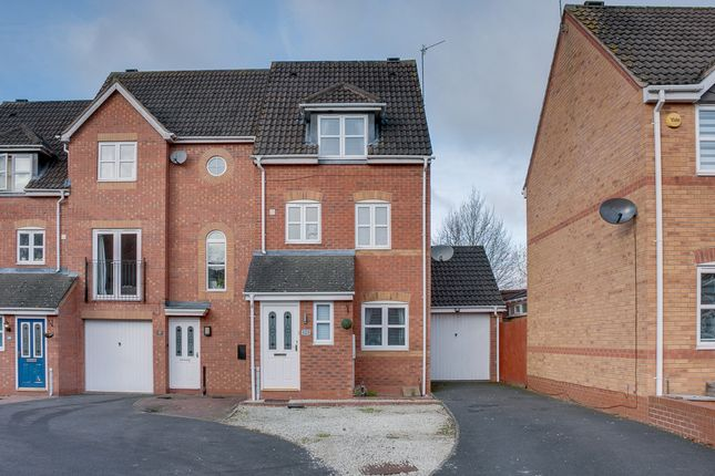 Town house in  Appletree Lane  Brockhill  Redditch  Birmingham