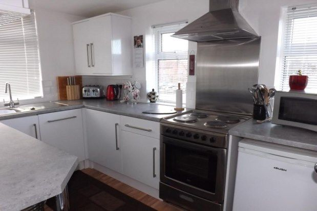 Thumbnail Flat to rent in 28 Mulfords Hill, Tadley
