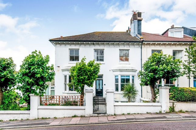 1 bed flat for sale in Buckingham Place, Brighton BN1
