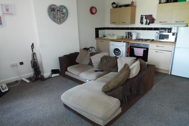 Thumbnail Flat to rent in Ambergate Road, Nottingham