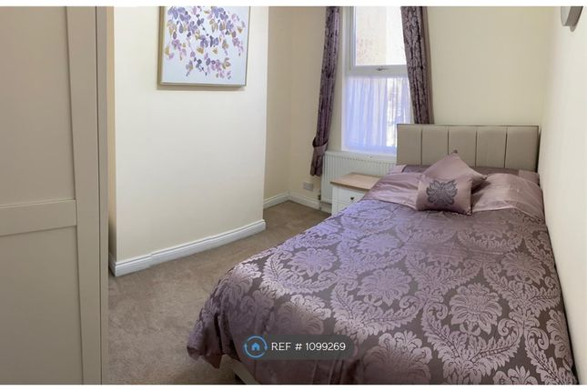Room to rent in Station Road, Crayford, Dartford DA1