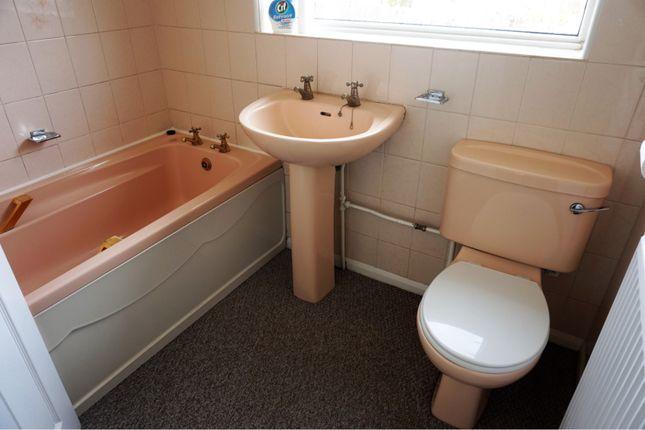 Bathroom of Oakwood Drive, Doncaster DN3