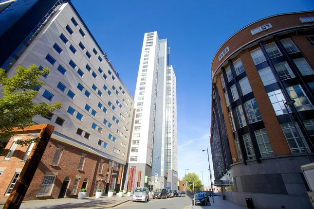Thumbnail Flat to rent in Old Hall Street, Liverpool